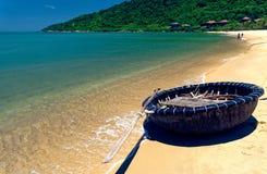 Tradycyjna round łódź, da nang, Wietnam zdjęcia royalty free