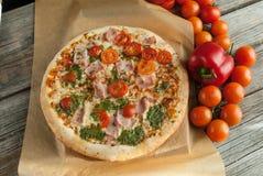 Tradycyjna smakowita Włoska pizza Obraz Royalty Free