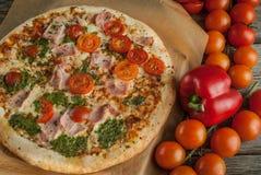 Tradycyjna smakowita Włoska pizza Zdjęcie Stock
