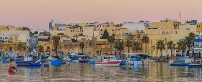 Tradycyjna stara wioska rybacka Marsaxlokk w Malta Zdjęcia Royalty Free