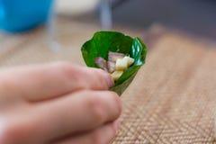 Tradycyjna tajlandzka przekąska Miang Kham fotografia stock
