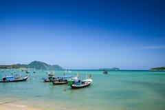 Tradycyjna Tajlandzka rybak łódź na plaży Obrazy Stock