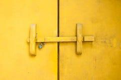 Tradycyjna Tajlandzka stylowa drewniana drzwiowa zapadka Fotografia Stock