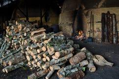 Tradycyjna węgiel drzewny fabryka, Sepetang, Malezja Fotografia Stock