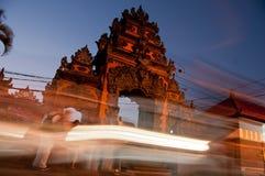 Tradycyjna wejściowa brama Tanah udziału plaża w Bali obrazy royalty free