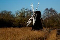 Tradycyjna wiatrowa pompa Zdjęcia Royalty Free