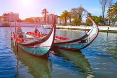 Tradycyjne łodzie w Vouga rzece Aveiro fotografia stock