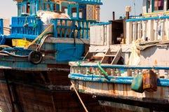 Tradycyjne Abra taxi łodzie w Dubaj zatoczce - Deira, Dubaj Deira, Zjednoczone Emiraty Arabskie zdjęcie stock