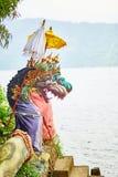 Tradycyjne balijczyk statuy w Pura Ulun Danu Obrazy Royalty Free