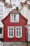 Tradycyjne norweskie drewniane fasady Antykwarska ulica w Bergen Obraz Royalty Free