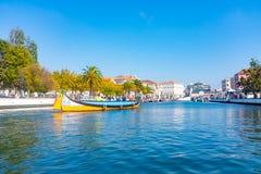 Tradycyjne łodzie na kanale w Aveiro, Portugalia Obraz Royalty Free
