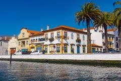 Tradycyjne łodzie na kanale w Aveiro, Portugalia Zdjęcie Stock