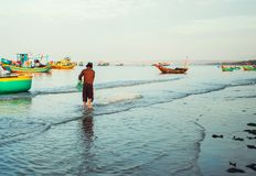 Tradycyjne stare drewniane Wietnamskie łodzie i round łodzie rybackie Zdjęcie Royalty Free
