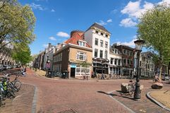 Tradycyjne stare ulicy i budynki w Utrecht Malowniczy miasto dla odwiedzać turystów podczas ich wakacji Zdjęcie Royalty Free