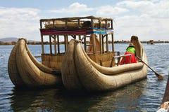 Tradycyjne trzcinowe łodzie, Jeziorny Titicaca, Peru Zdjęcia Royalty Free
