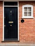 Tradycyjnego angielszczyzna domu frontowy wejście Zdjęcie Stock