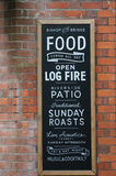 Tradycyjnego Blackboard pubu Angielski znak Zdjęcie Stock