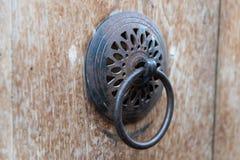 Tradycyjnego metalu Drzwiowy Knocker zdjęcie royalty free