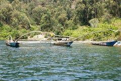 Tradycyjnego rybaka jeziorna Kivu łódź Zdjęcie Royalty Free