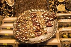 Tradycyjnego stylu Tureckiego zachwyta cukierki przy bazarem Zdjęcia Stock