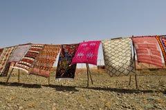 Tradycyjni berber dywany dla sprzedaży w Maroko Zdjęcia Royalty Free