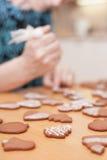 Tradycyjni domowej roboty boże narodzenia piernikowi Zdjęcie Stock