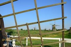 Tradycyjni holenderscy wiatraczki w sławnym miejscu Kinderdijk, UNESCO światowego dziedzictwa miejsce Holandie Fotografia Stock