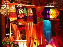 Tradycyjni Indiańscy lampiony dla sprzedaży z okazji Diwali Zdjęcia Royalty Free