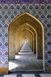 Tradycyjni ornamenty i wzory na błękitnym tle w Irańskich meczetach fotografia stock