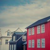 Tradycyjni Panwiowi Żelazni Odziani domy na ulicie w Reykjavik Obrazy Royalty Free