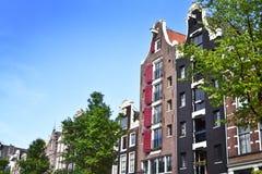Tradycyjni rzędów domy w Amsterdam Obraz Stock
