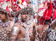 Tradycyjni tancerze w Kandy perahara fotografia royalty free