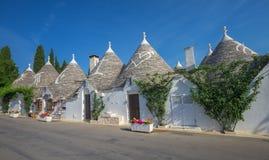 Tradycyjni trulli domy, Alberobello, Puglia, Południowy Włochy Zdjęcia Royalty Free