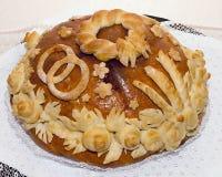 Tradycyjny ślubny tort z obrazkiem drożdże jest dwa Rin Obraz Royalty Free