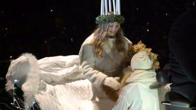 Tradycyjny świętowanie święty Lucia przed bożymi narodzeniami zbiory wideo