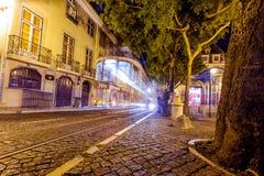 Tradycyjny żółty tramwajowy w centrum Lisbon Zdjęcia Royalty Free