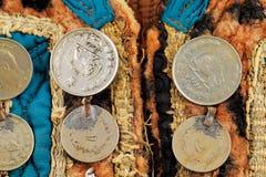 Tradycyjny Afghani kamizelkowy dekorujący z starymi monetami Fotografia Royalty Free