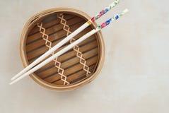 Tradycyjny bambusowy garnek Obraz Royalty Free