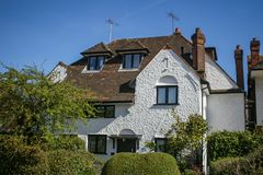 Tradycyjny Brytyjski dom na pogodnym wiosna ranku fotografia royalty free
