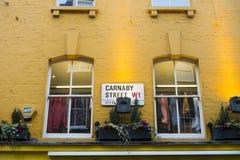 Tradycyjny Carnaby ulicy znak uliczny Zdjęcie Royalty Free
