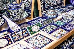 Tradycyjny ceramiczny w miejscowego Izrael rynku. zdjęcie royalty free