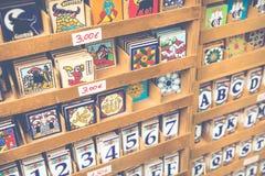Tradycyjny ceramiczny w souvenirl sklepie w cordobie, Andalucia, zdrój obrazy royalty free