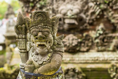 Tradycyjny demon chroni statuę w Bali wyspie Religia Obraz Stock