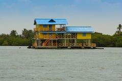 Tradycyjny dom w wyspie Mucura, Kolumbia Zdjęcia Stock