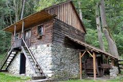 Tradycyjny dom z młynem, otręby, Rumunia obrazy royalty free