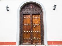 Tradycyjny drewniany rzeźbiący drzwi w Kamiennym miasteczku, Zanzibar Obrazy Stock