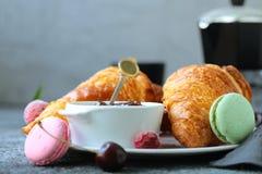 Tradycyjny Francuski Croissant zdjęcia royalty free