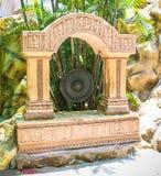 Tradycyjny gong przy Sree Buddha Kripalu jamą zdjęcia stock