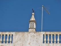 Tradycyjny komin na housetop w Portugalia zdjęcia stock
