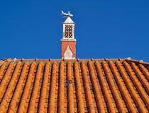 Tradycyjny komin na housetop w Portugalia fotografia stock